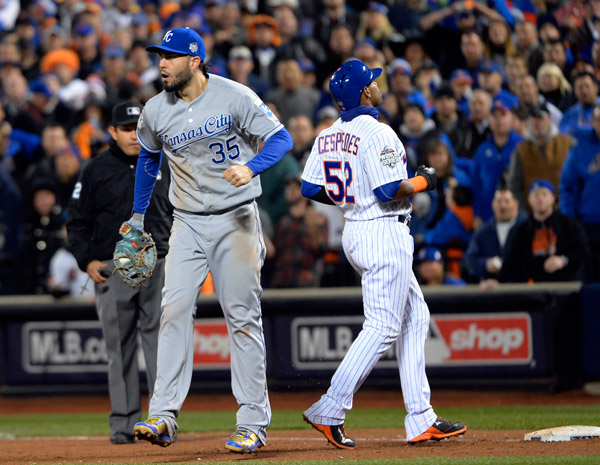 Yoenis Cespedes is doubled off of first base to end Game 4 as Eric Hosmer reacts. (Photo by Ron Vesely/MLB Photos)